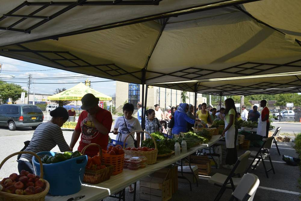 The farmers' market in Freeport is open Saturdays, 11 a.m.-4 p.m., through Oct 29 at 130 East Merrick Road. Photo/Facebook