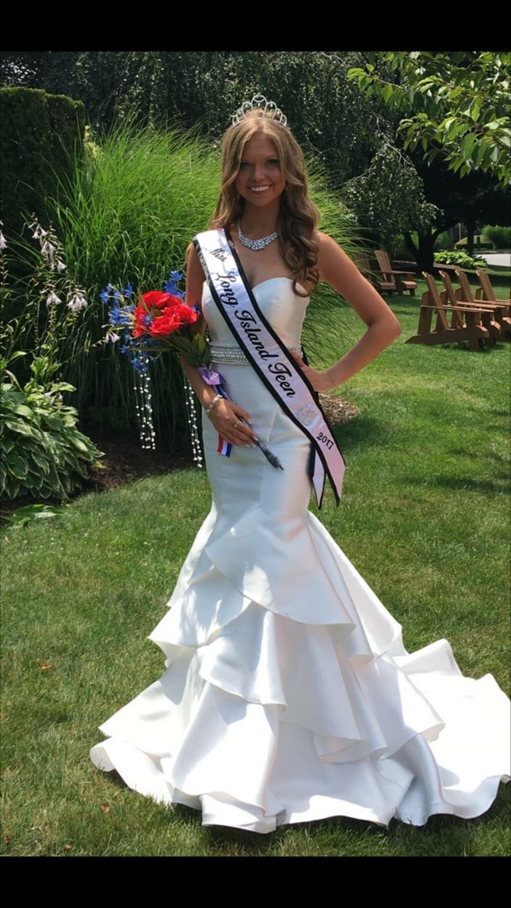 Taylor Yaeger, of Dix Hills, was recently crowned 2017 Miss Long Island Teen and is set to represent Long Island in the upcoming Miss New York Teen USA pageant slated to be held in upstate Harrison this coming January.