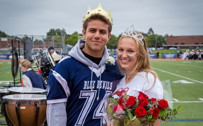 Photo/Mike Connell Huntington's Garrett Moya and Leanne Daly were crowned as homecoming king and queen at homecoming on Saturday.