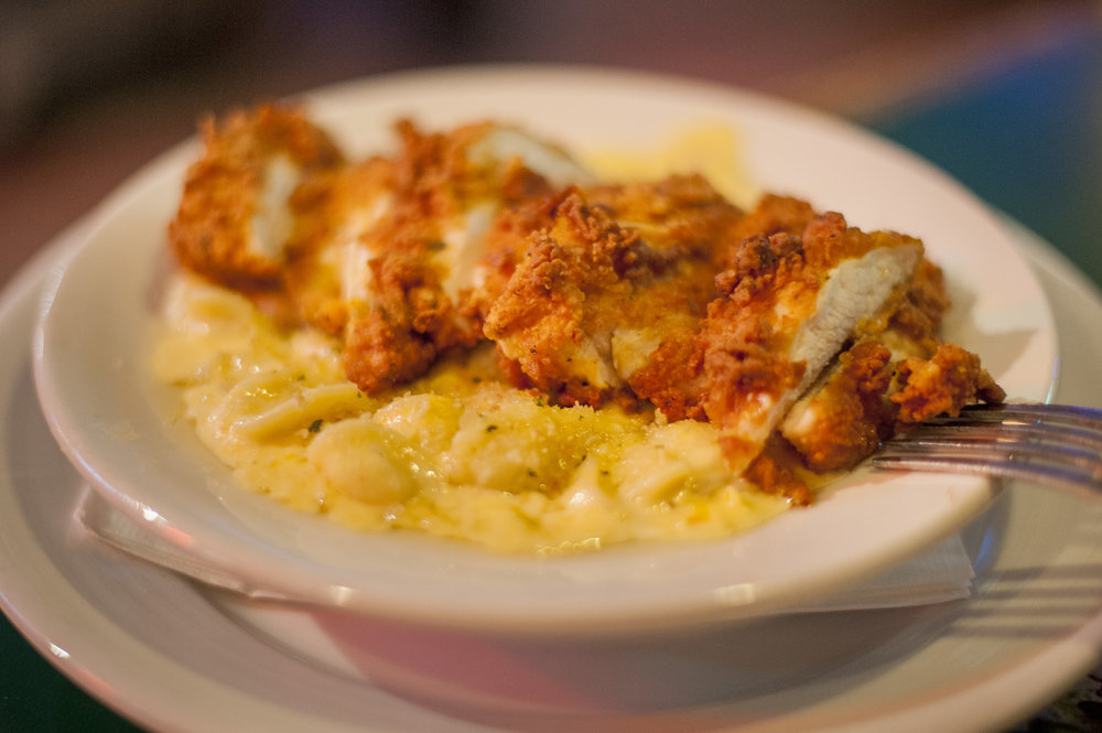 The Johnathon's Pan Fried Chicken and Mac blends four cheeses, truffle oil, topped with lightly breaded, panko crusted fried chicken for a unique, decadent dish that will have you eager to try Shamrock's other mac and cheese spin-offs.