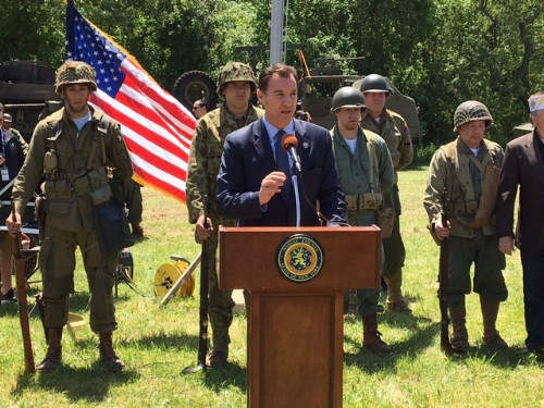 Photo/Office of Rep. Tom Suozzi Congressman Tom Suozzi, member of the House Armed Services Committee, plans to introduce a bill that would expand services to all veterans, regardless of discharge status, including reservists.
