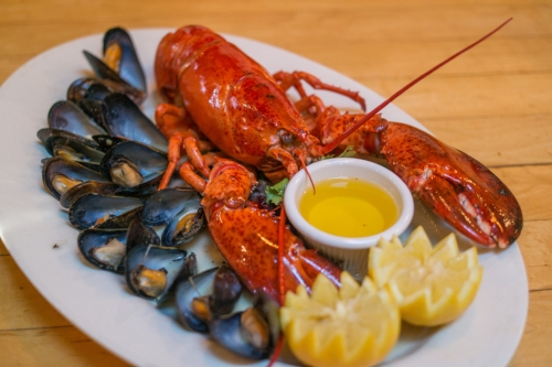 For a fantastic feast, the Whole Lobster & Mussels dinner special will satisfy palates on any shore, Long Island or otherwise.