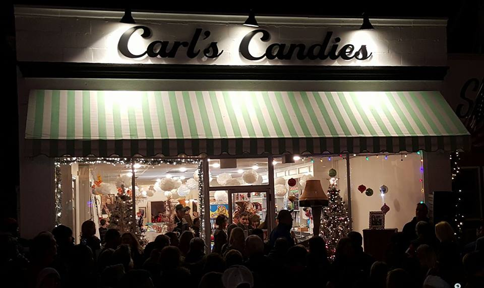 Hundreds gathered outside Carl's Candies to see the annual Leg Lamp Lighting.   Photo/Facebook/Christopher Maione