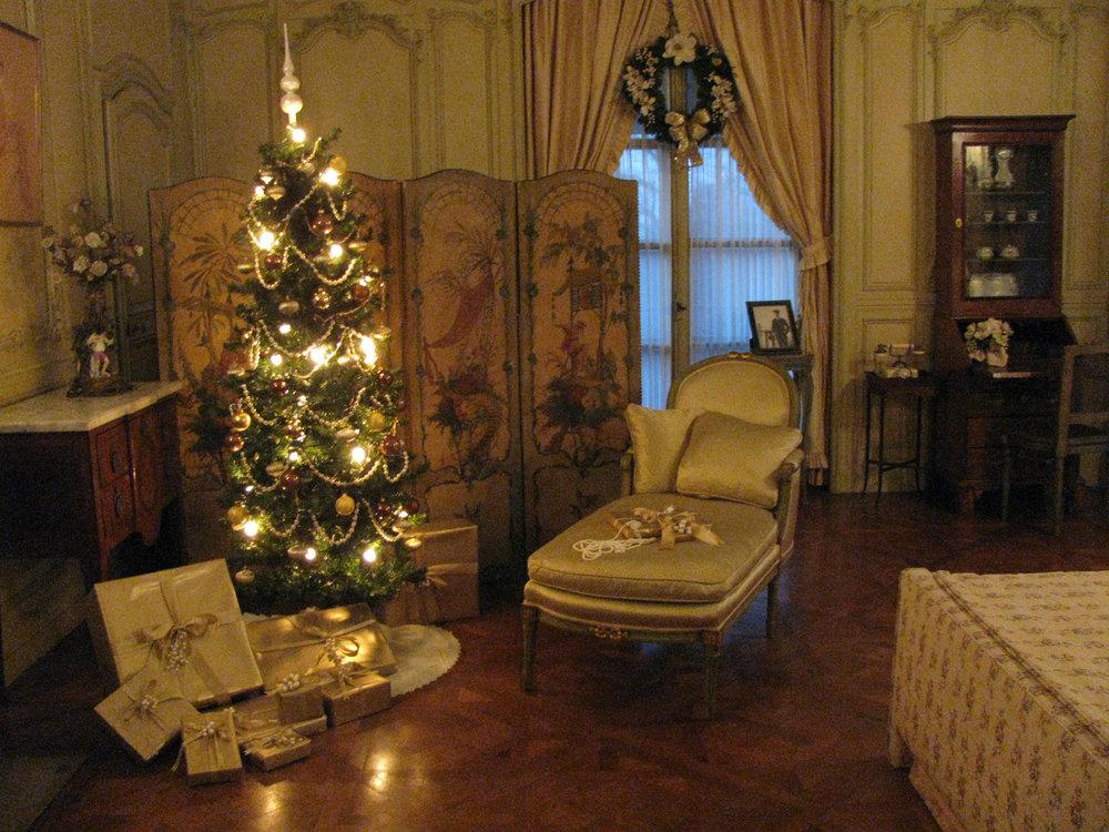 Rosamond Vanderbilt's bedroom, adorned with festive decorations.