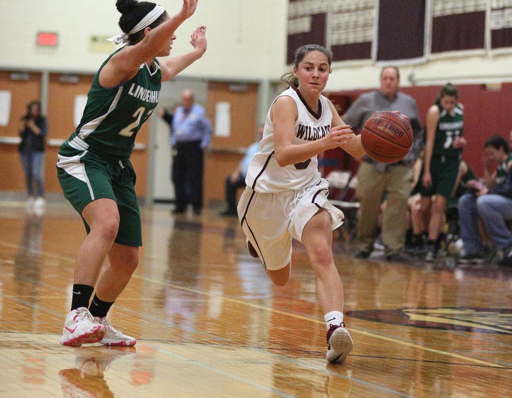 Junior point guard Danielle Kleet, right, scored 15 first half points in the Whitman's 51-28 victory over Lindenhurst on Tuesday. Photo/South Huntington School District