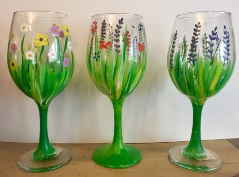 Learn how to decorate your own set of wine glasses with step-by-step instruction this weekend.