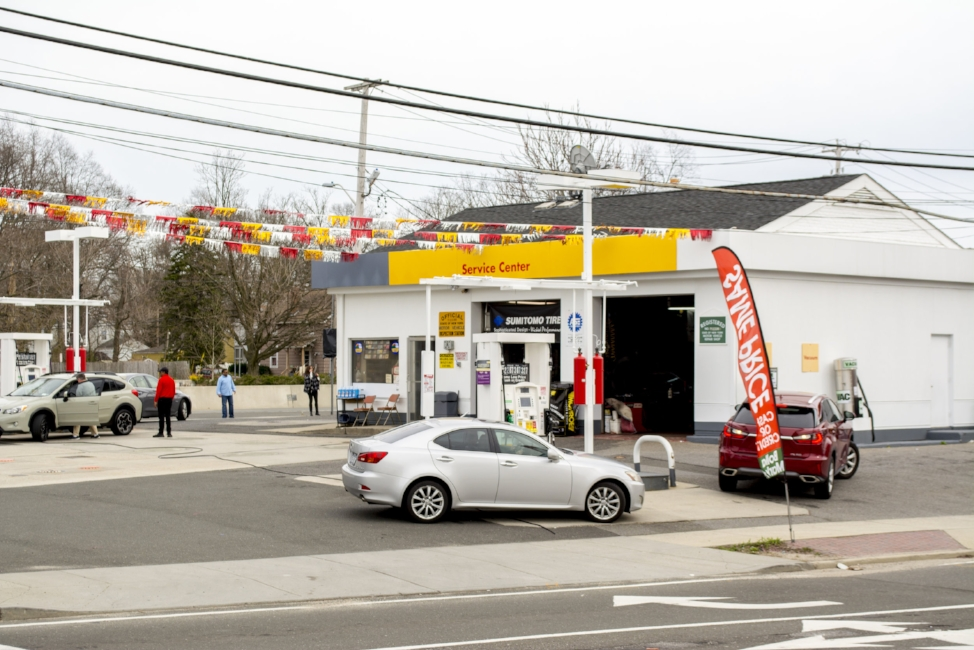 39c25ec83b910a Garden City-based gas station and convenience store company Bolla is eying  this 1010 Walt