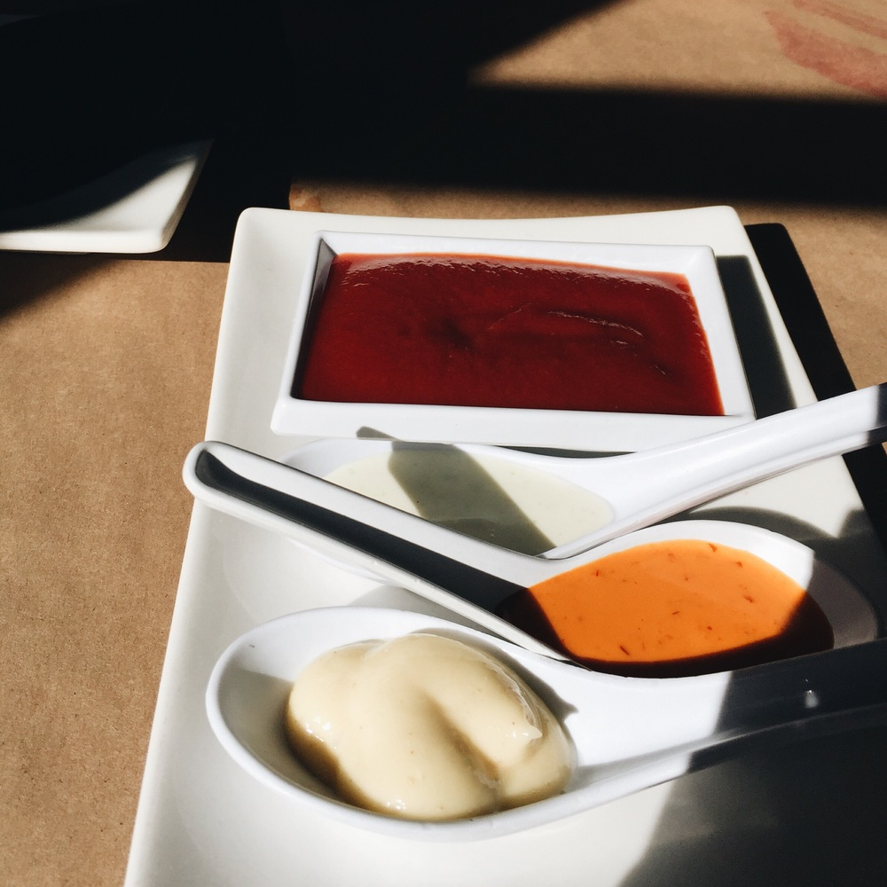The sauces they brought when were seated
