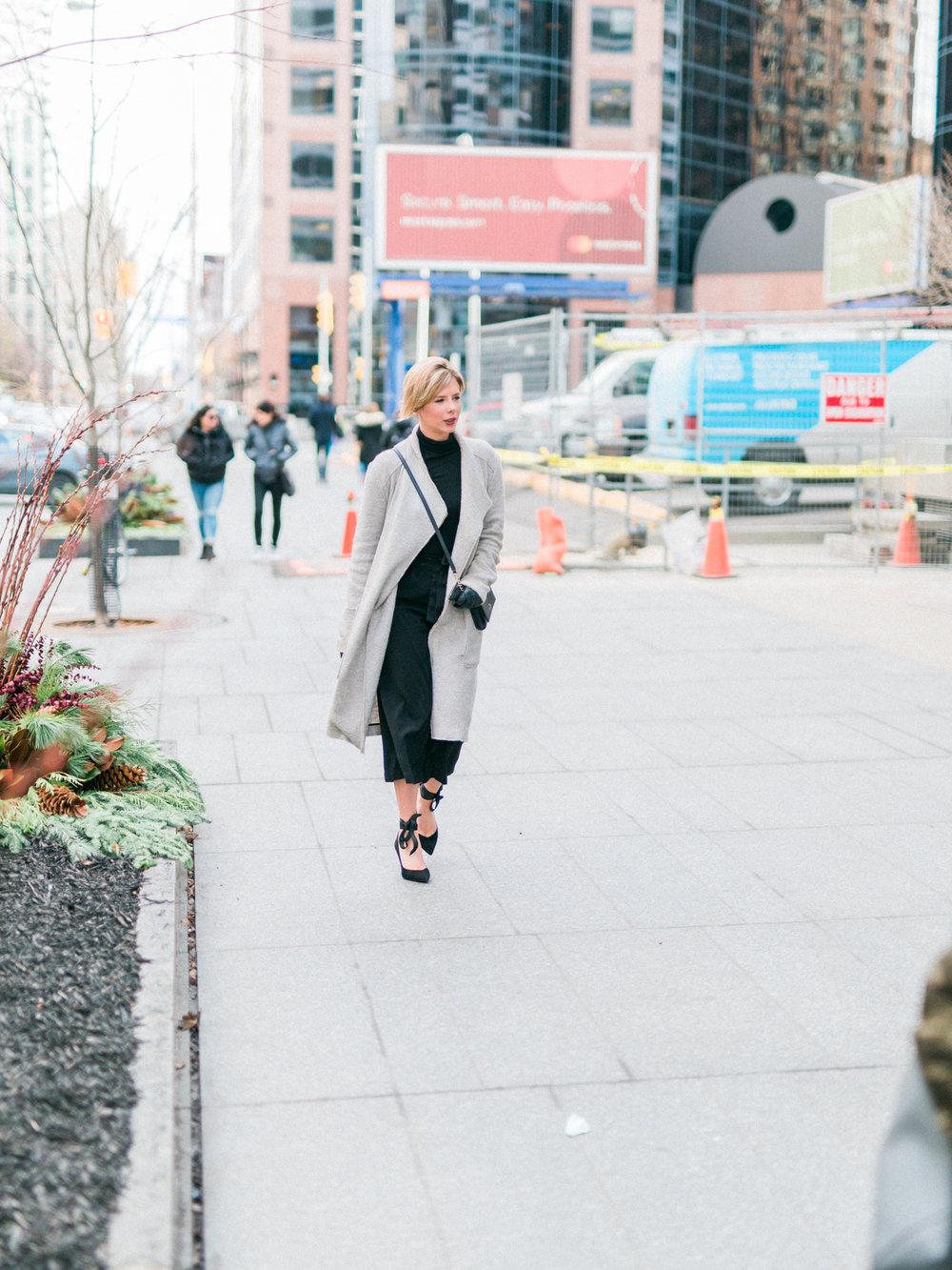 DanielleGirouxPhotography_Toronto_Portrait_StreetPhotography_0C6A1021.jpg