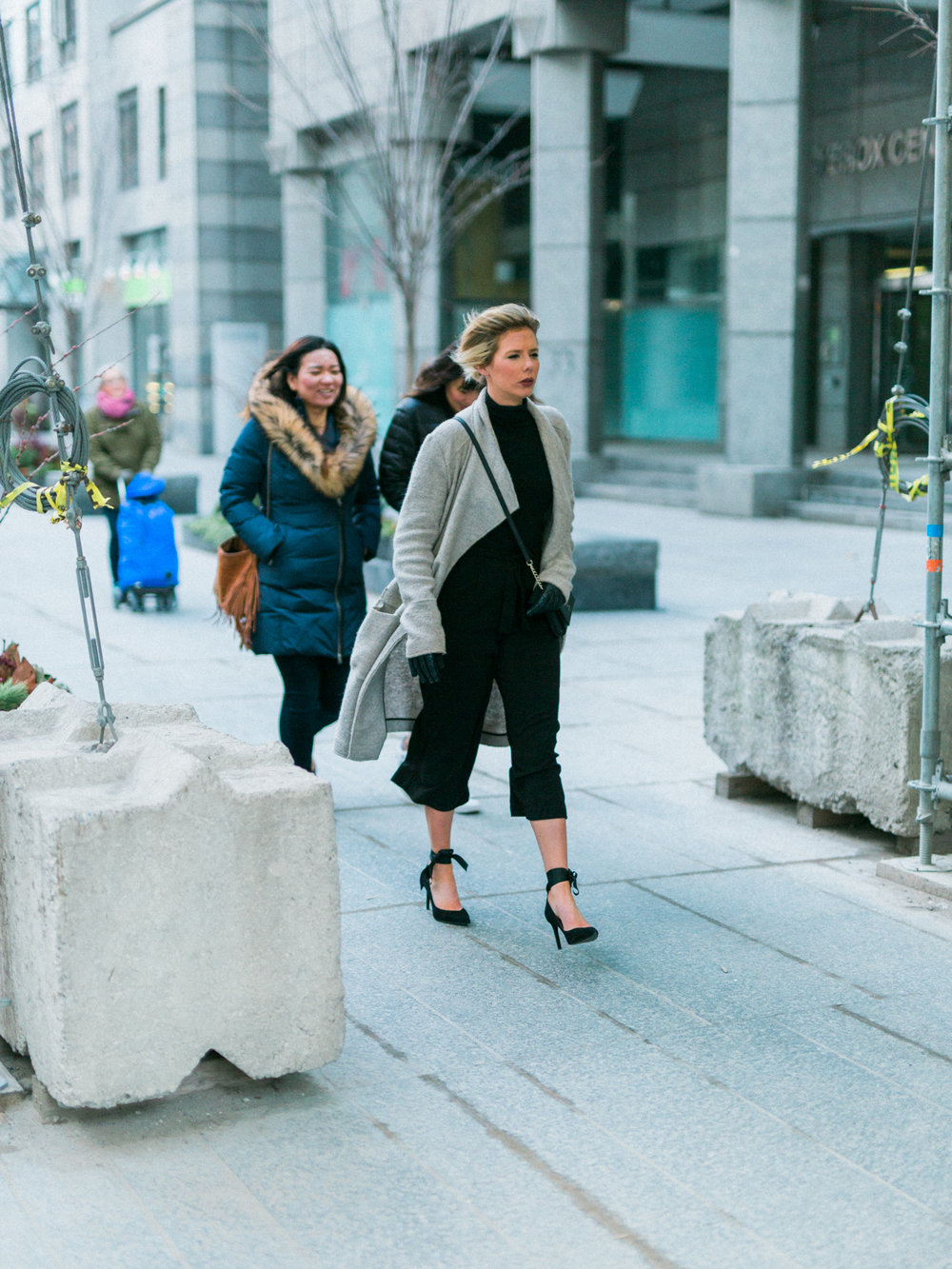 DanielleGirouxPhotography_Toronto_Portrait_StreetPhotography_0C6A1075.jpg