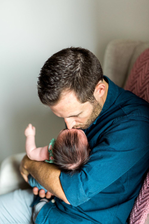 Danielle-Giroux-Newborn-Family-Photography-Toronto_BabyQuinn_37.jpg