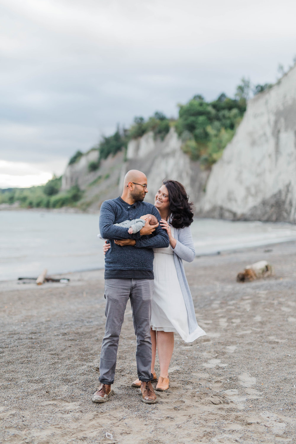 Danielle-Giroux_Lindsay-Sunil_Newborn-Session_Scarborough-Bluffs_-0076.jpg