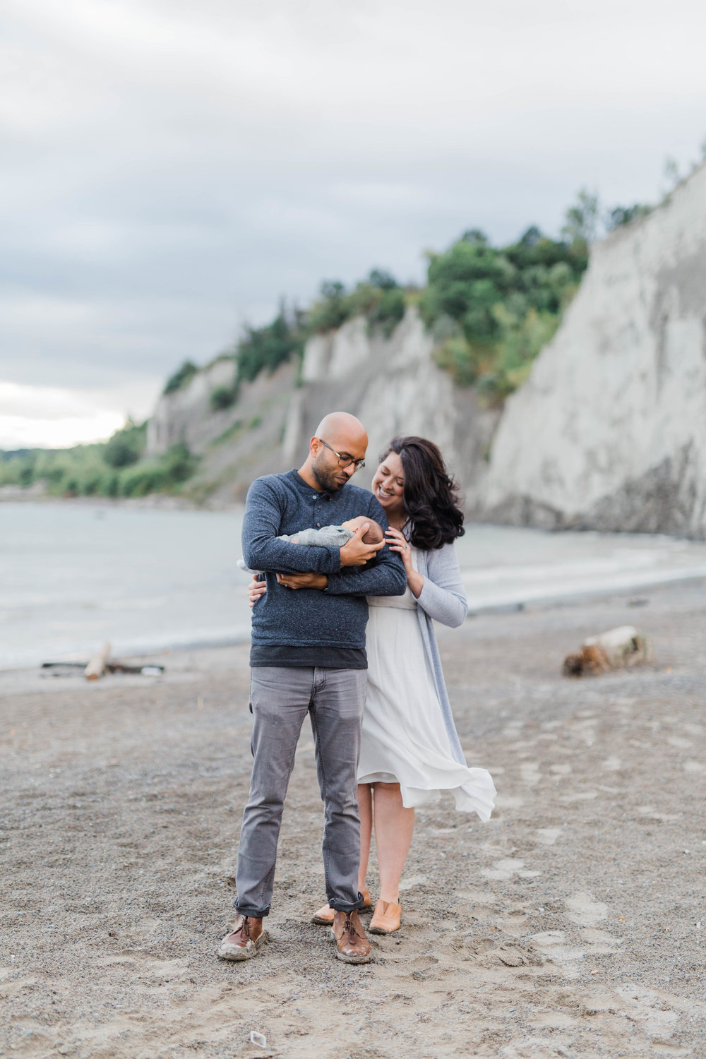 Danielle-Giroux_Lindsay-Sunil_Newborn-Session_Scarborough-Bluffs_-0075.jpg