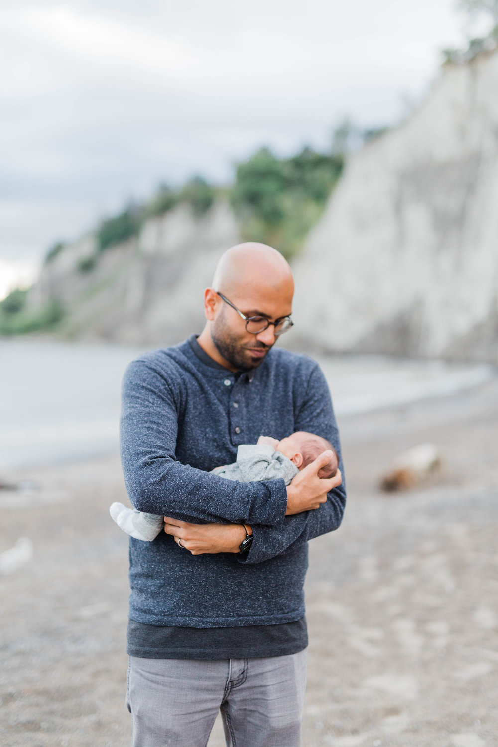 Danielle-Giroux_Lindsay-Sunil_Newborn-Session_Scarborough-Bluffs_-0064.jpg