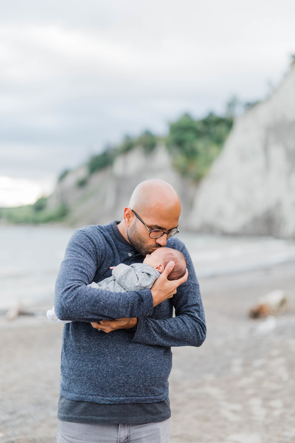 Danielle-Giroux_Lindsay-Sunil_Newborn-Session_Scarborough-Bluffs_-0068.jpg