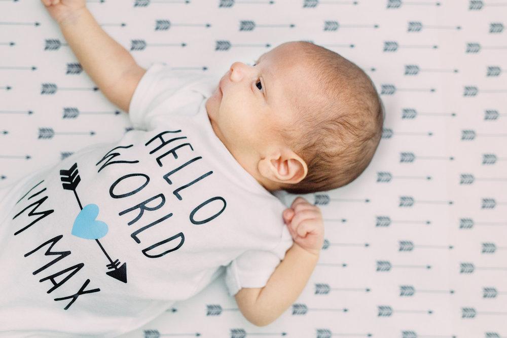 Danielle-Giroux-Toronto-Newborn-Photography_Lindsay-Sunil_Baby-Max_039.jpg