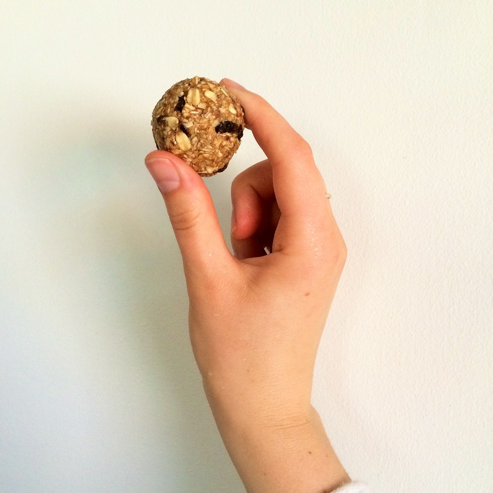 Maca Oatmeal Raisin Balls