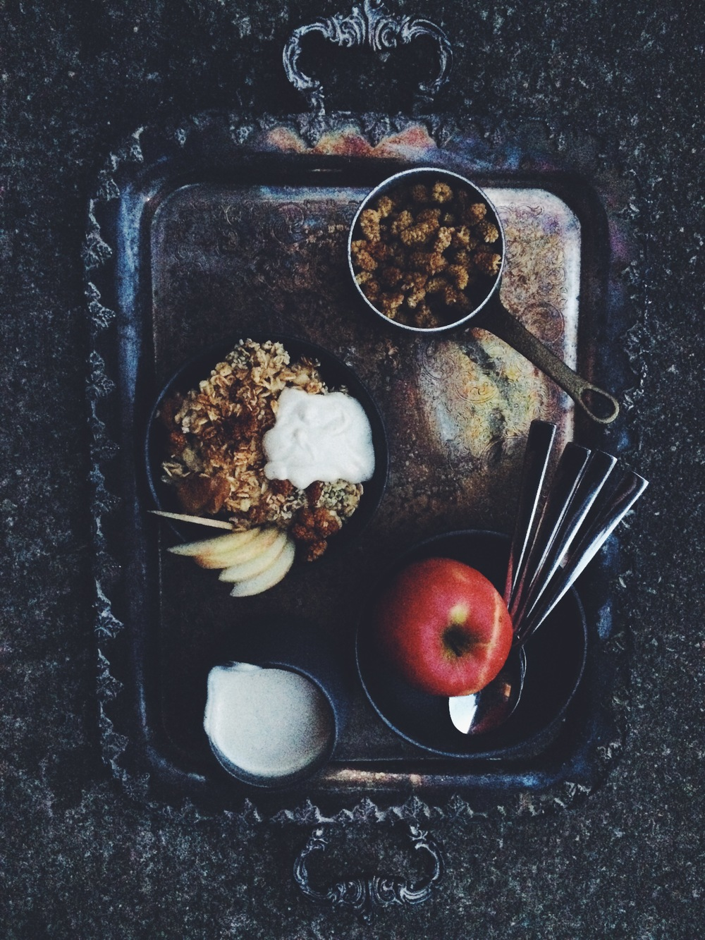 apple pie baked oatmeal with sweet cashew cream (gluten free, vegan) // my natural kitchen
