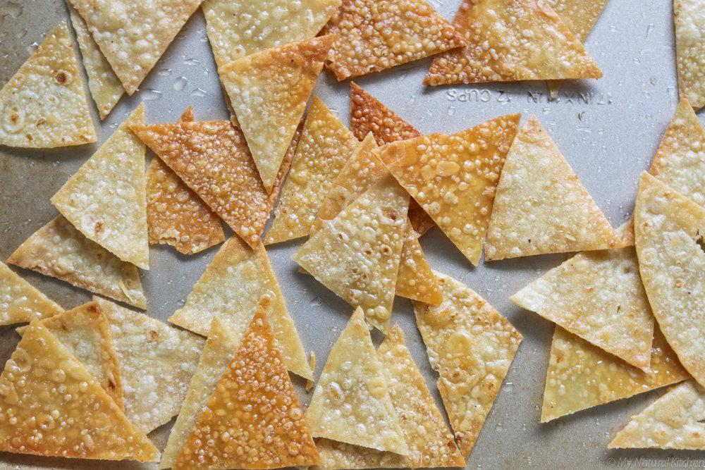 vegan queso with baked tortilla chips by My Natural Kitchen #glutenfree #vegan #mynaturalkitchen