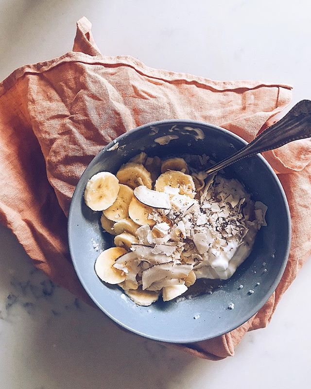 this messy chia bowl was bananas (get it? 😉) coconut milk chia pudding, thick homemade coconut yogurt, a drizzle of maple syrup, coco flakes, and sliced banana 🍌 afterward I snapped this photo, I sprinkled dandy blend coffee sub over which was a very good decision ✨ happy Saturday!