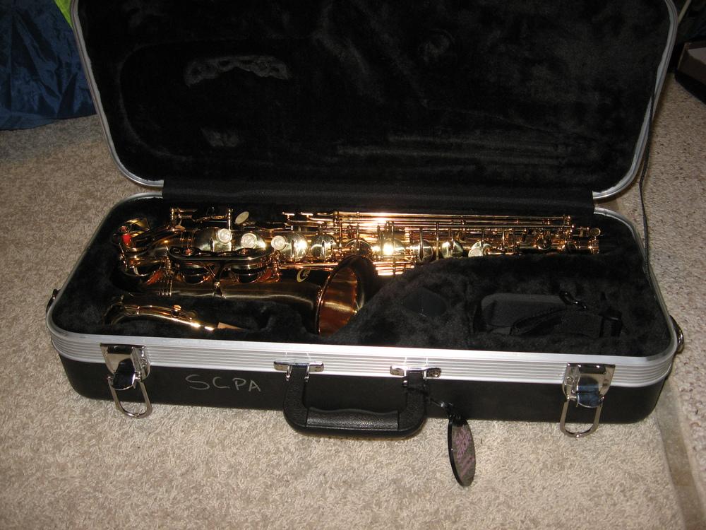 saxophonecaseopen.jpg