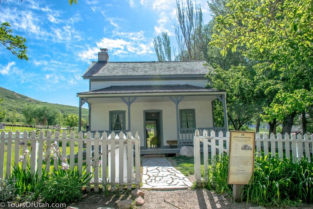 Mormon Pioneer History Tour in Utah