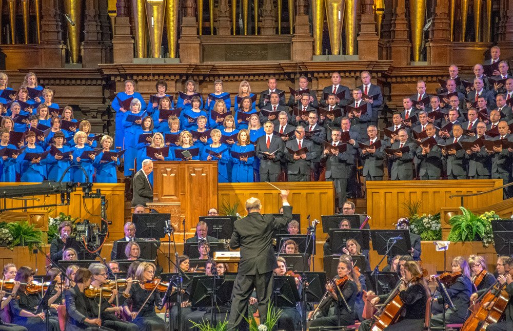 Mormon_Tabernacle_Choir.jpg