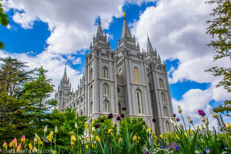 Mormon_Temple_on_Salt_Lake_Trolley_Tour.jpg