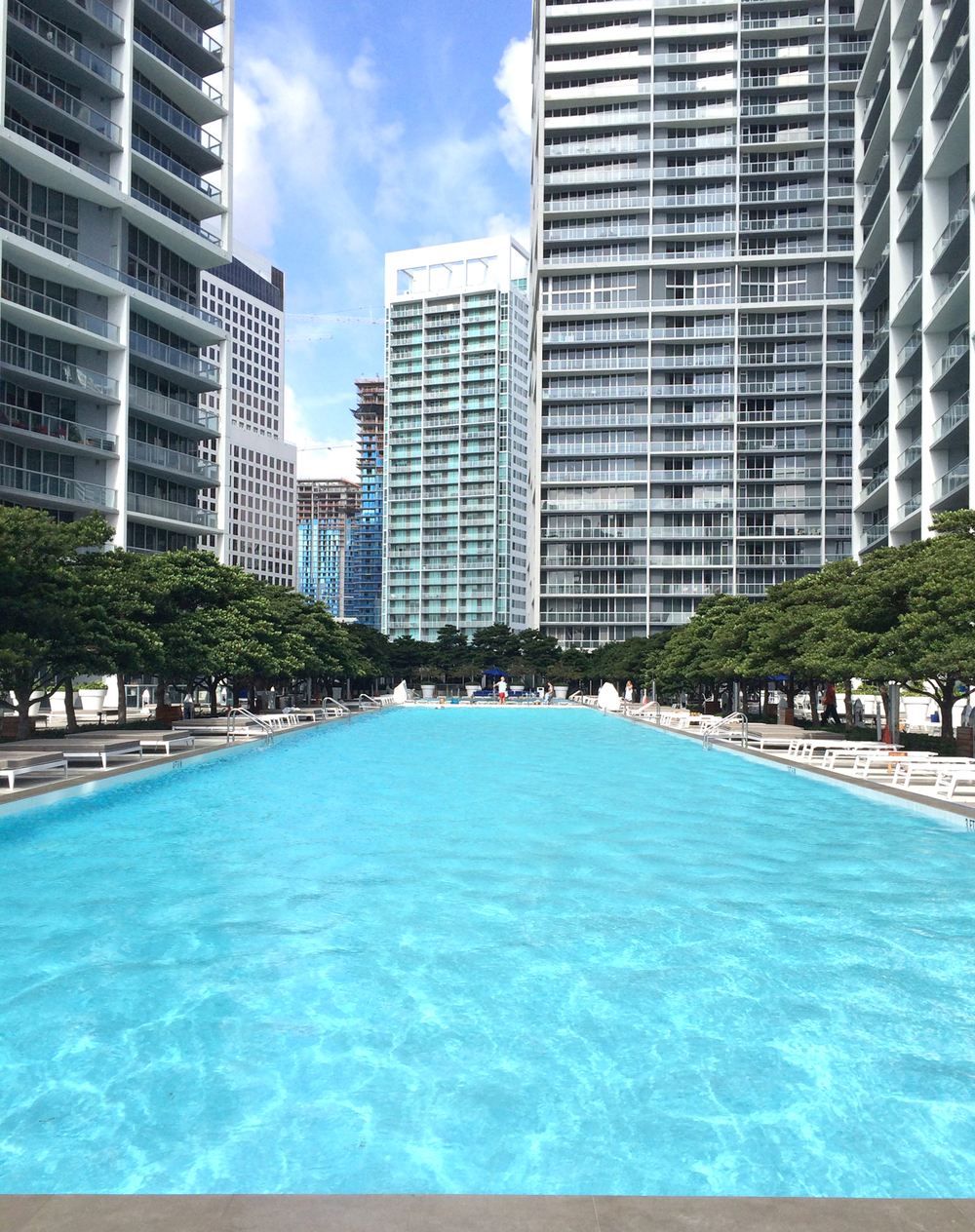 VICEROY_MIAMI_POOL_02.jpg