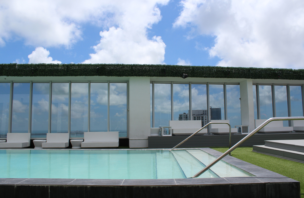 VICEROY_MIAMI_FIFTY_POOL.jpg