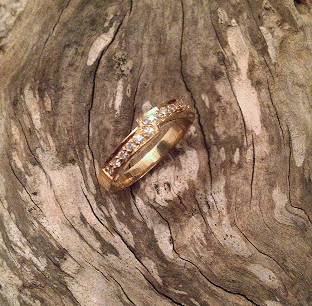 Fitted 18ct Yellow Gold Wedding Band