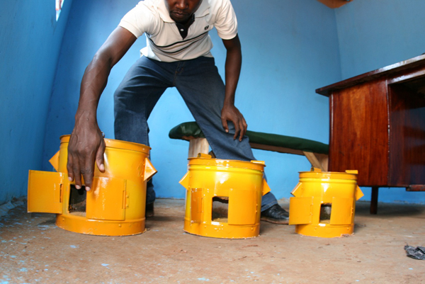 To offset emissions, LPQ invested in a cookstove manufacturing project in Uganda. (    Photo Credit: The Gold Standard)