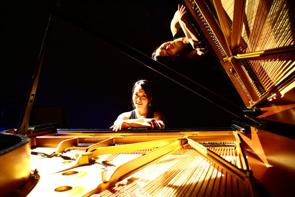 Klavierunterricht-bei-Frau-Deng-1500-hoch_mini.jpg