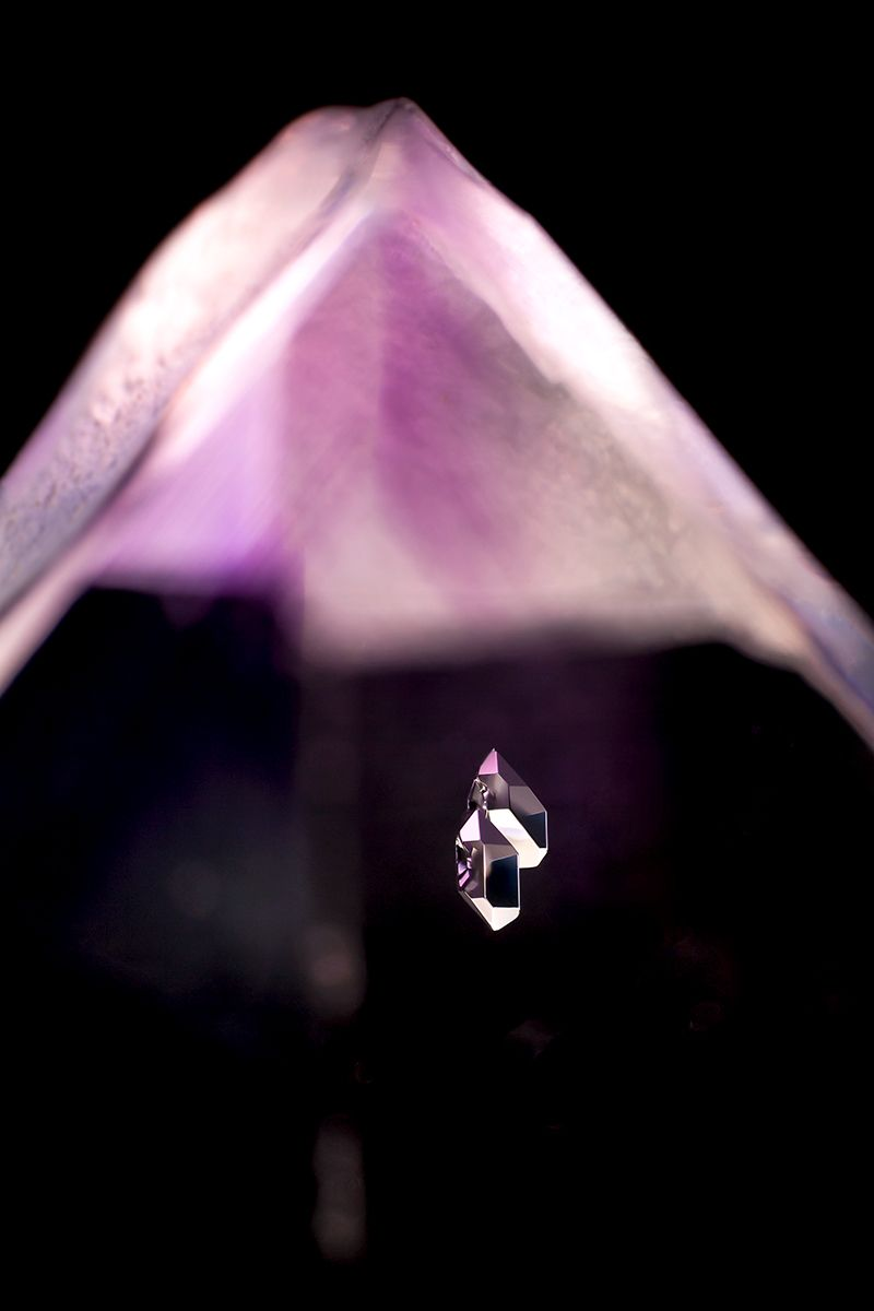 Negative crystals in amethyst © Danny J Sanchez    Veracruz, Mexico Field of View = 5.9mm • Depth of Field = 1.075mm