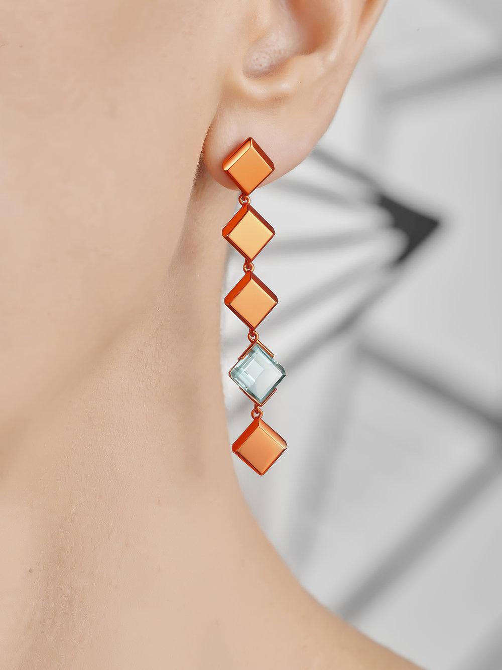 Chromanteq Garnet and Tournaline Earrings Tourmaline Close Up.jpg