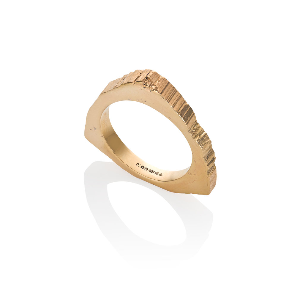 RS.TS.R.Y 18ct Fairtrade Yellow Gold Ring approx 12g.jpg