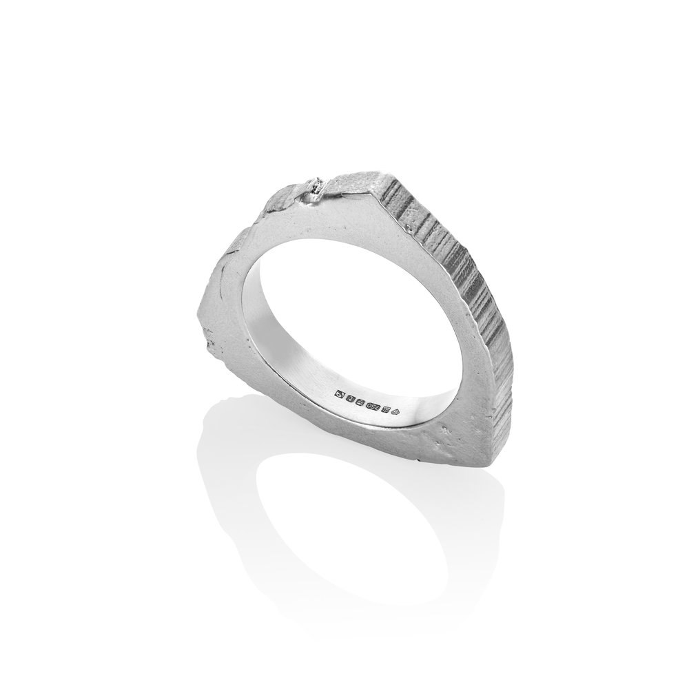 RS.TL.R.W 18ct Fairtrade White Gold Large Ring approx 12g.jpg .jpg