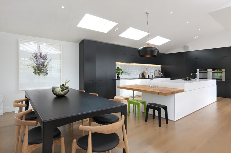 Contemporary-White-and-Black-Kitchen-Design-with-Glossy-Wooden-Floor-Ideas.jpg