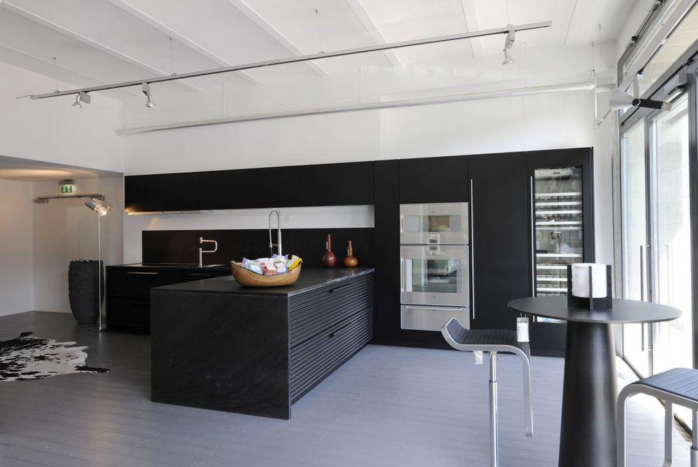 modern-kitchen-design-ideas-collection-black-and-white.jpg