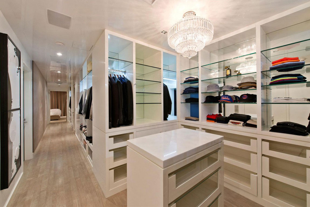 Walk-in-Closet-for-Men-Masculine-closet-design-9.jpg