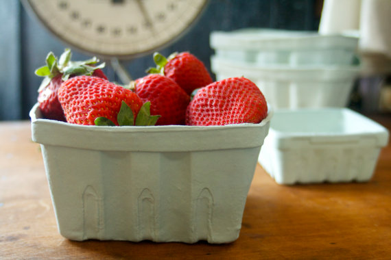 THE ORIGINAL PORCELAIN BERRY BASKET