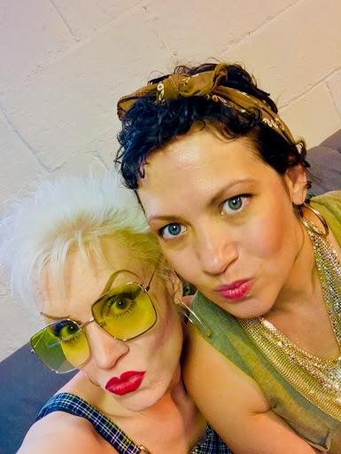 A-MOMS - Backup Singers
