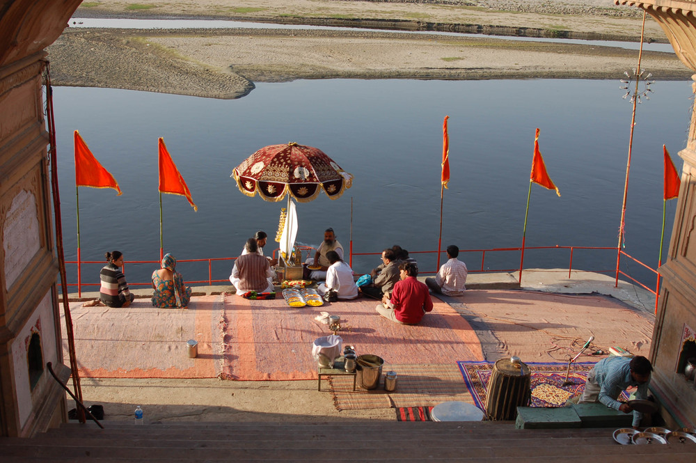 Worship of the river Yamuna, Kesi Ghat, Vrindavan, Braj