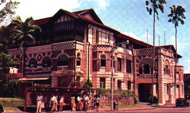 http://singapore.thinkexpats.com/uniquely-singapore/611-10-great-vintage-singapore-postcards.html