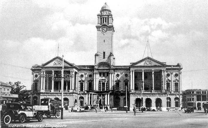 Victoria Theatre and Victoria Memorial Hall in 1905. Photo from: http://commons.wikimedia.org/wiki/File:Victoria_Theatre_and_Victoria_Memorial_Hall_-_c_1905.jpg
