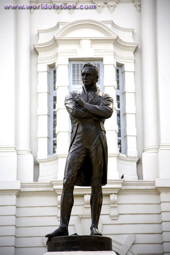Statue of Stamford Raffles in front of the Victoria Theatre and Concert Hall  Photo from: http://www.worldofstock.com/stock-photos/statue-of-stamford-raffles-in-front-of/TAG1242