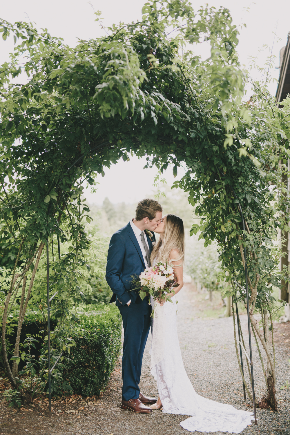 boho garden wedding at Starling Lane, Victoria BC Kelly Brown Photographer