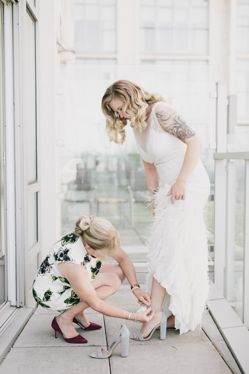 Hannah+Sam-_Getting-Ready-53.jpg