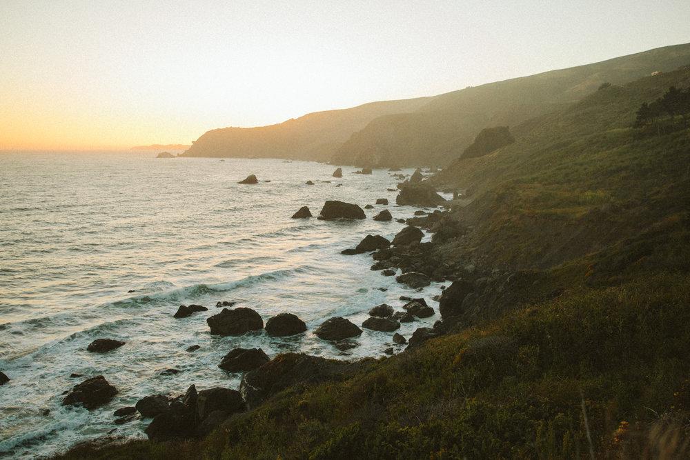 california coastline wedding at sunset