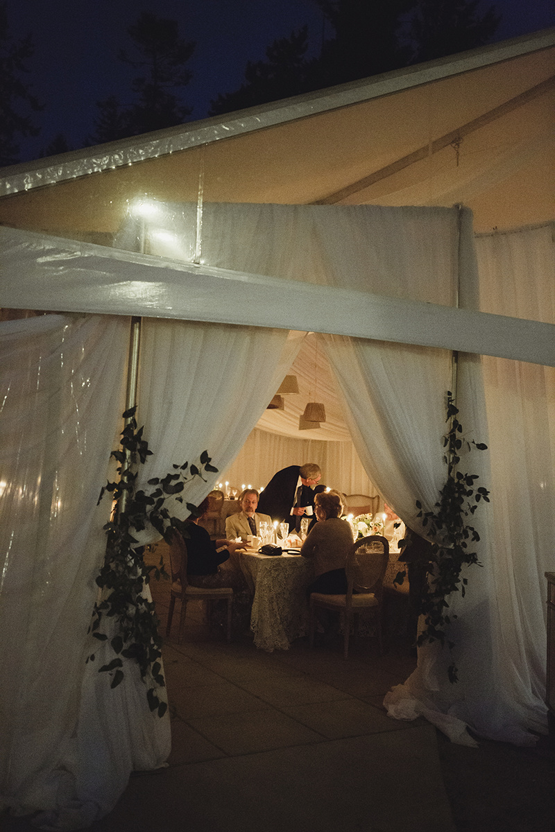sea cider wedding vancouver island wedding photographer